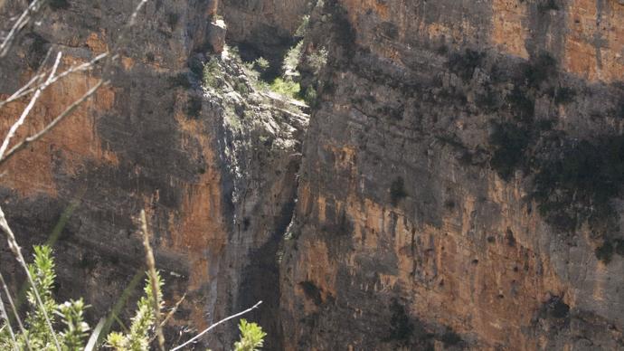 Barranco de Robles - Brecha en la roca
