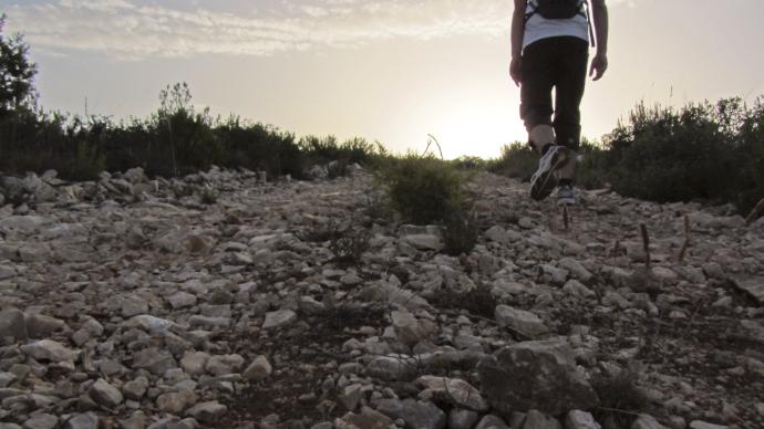 Camninando sobre piedras-al-amanecer